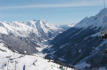 St. Anton am Arlberg Winter | © www.wikipedia.com